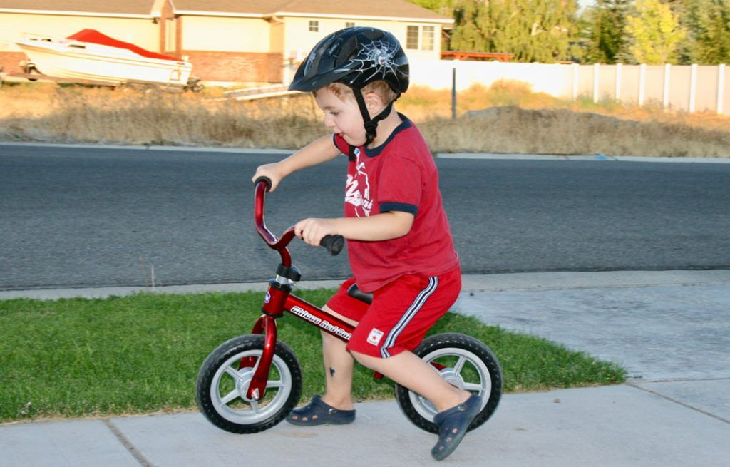 Chicco Red Learning Balance Bike Kids Holiday Outdoor Boys Girls Sturdy Design
