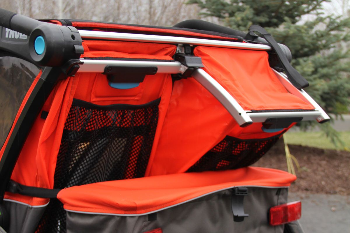 Seats on Thule Chariot Cross double recline independently of each other
